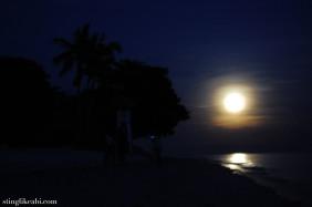 The moonrise along Panglao beach